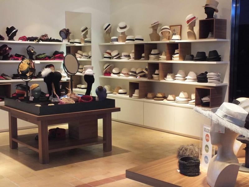 boutique chapeau magasin creation femme maroquinerie chapellerie. Black Bedroom Furniture Sets. Home Design Ideas